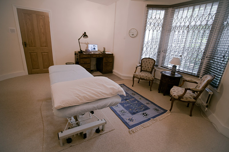 herne hill osteopath - treatment room